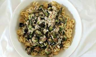 Creamy Brussels Sprouts and Asparagus Pasta