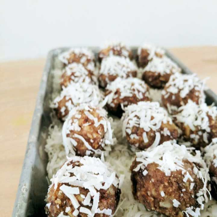 No Bake Date and Nut Cookies