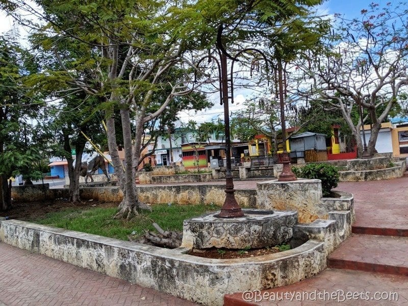 La Romana town square Beauty and the Beets