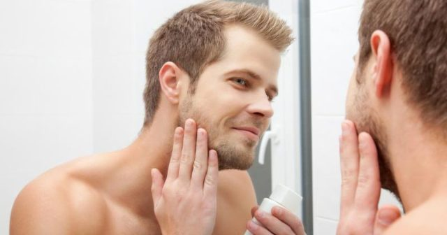 How to use a men's electric shaver to avoid razor bumps and cuts