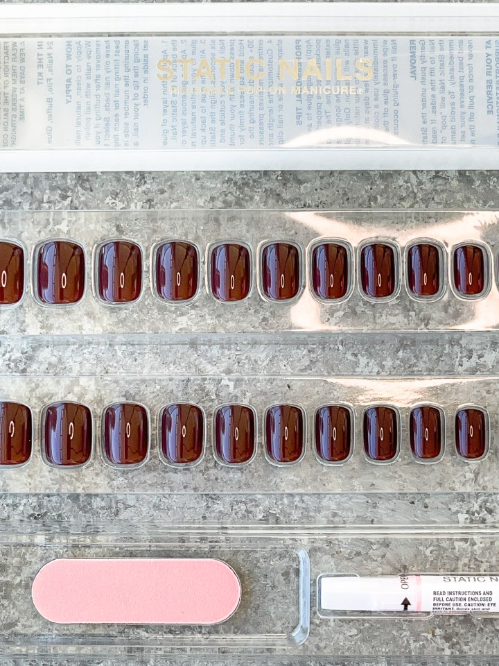 set of press on nails