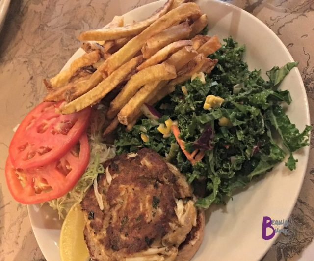 teds-montana-grill-crab-cake-sandwich-with-kale-slaw