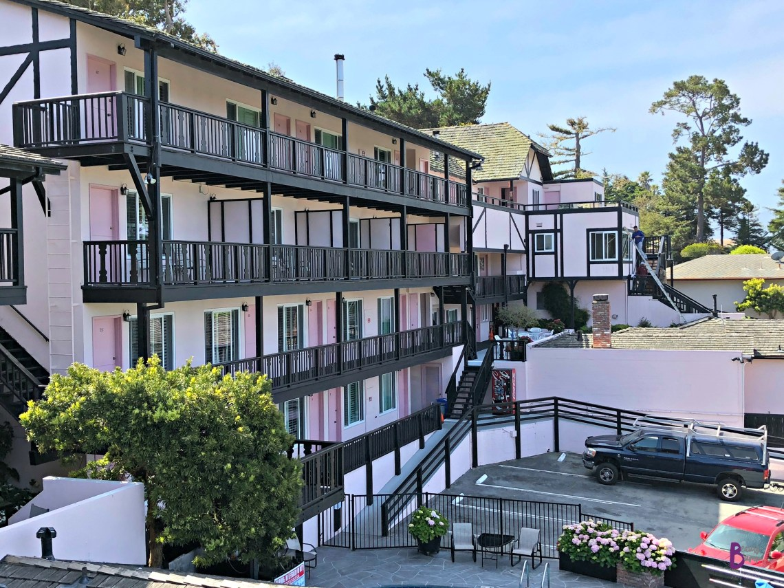 Hofsas House Hotel Parking Lot