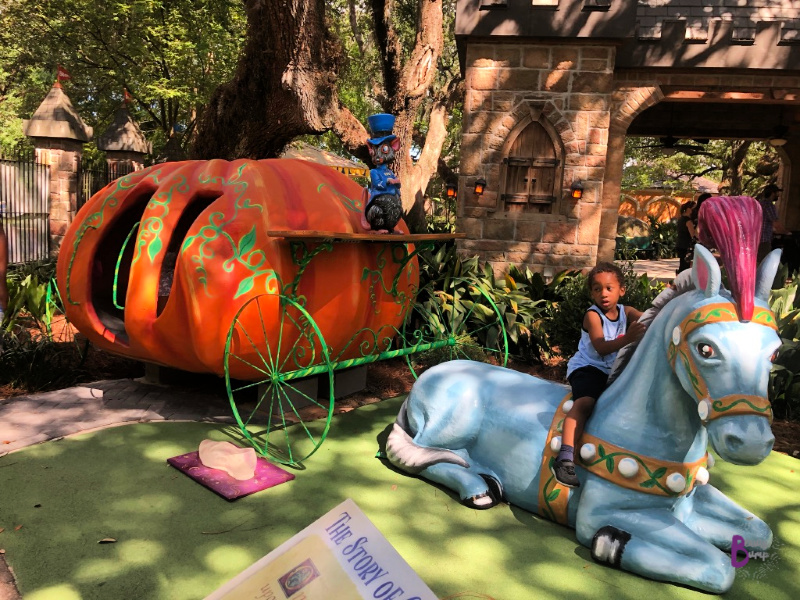 Storyland in New Orleans City Park. Imaginative outdoor spot with colorful sculptures & playscapes in the shape of storybook characters. #FamilyTravel #NOLA