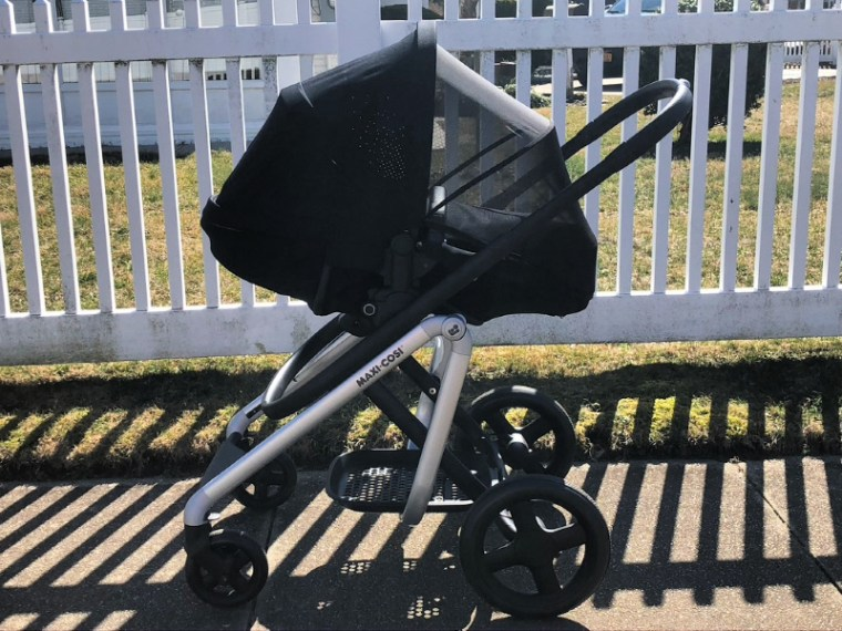 The Maxi- Cosi Lila stroller is a high-end stroller with luxe features to match like the ShapeofYou memory foam inlay, leather-like handles, and more. Luxury high-end stroller