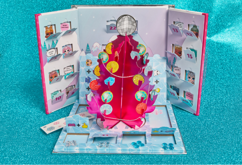 The Bling-A-tree Advent Calendar includes various blinged-out bonus surprises too! The tricked-out tree is a picture-perfect setting for a L.O.L. Surprise!™ doll holiday photoshoot.