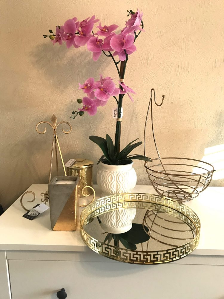 Recent Home Goods Haul - Beauty And The Bustle - click to see the full post of everything I bought + how I'm going to decorate with it all! #homedecor #interiordesign #HomeGoods