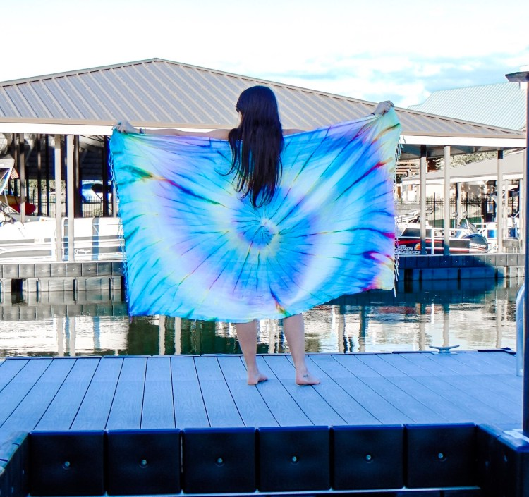 Sand Cloud has a Save The Fishies campaign where 10% of profits go towards marine conservation. Use my 25% off discount code to help make a difference #savethefishies #sandcloud #beach #beachtowel #beachclothes #ocean #charity #tiedye #boho
