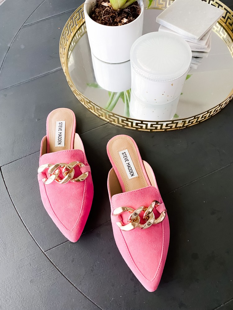 NSale 2021 Steve Madden pink pointy toed flats with big chain