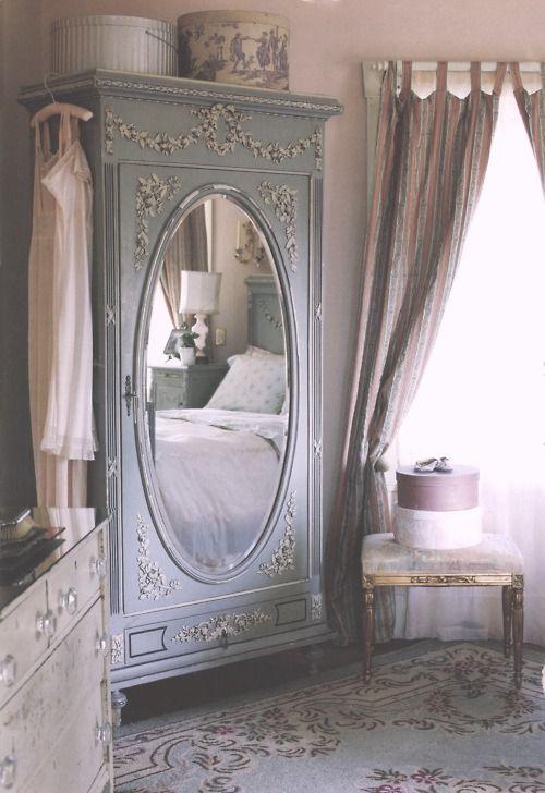 romantic-closet
