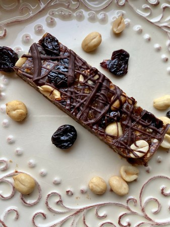 Peanut Butter and Jelly Bars by BeautyBeyondBones! #glutenfree #grainfree #vegan #chocolate #paleo #food #dessert #edrecovery #healthyfood