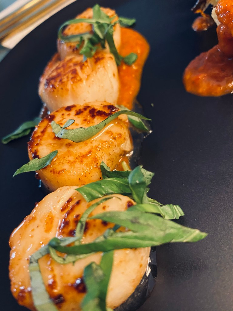 Pan Seared Scallops with Spice Tomato Sauce by BeautyBeyondBones #food #recipe #dinner #seafood #keto #glutenfree #paleo #dairyfree #healthyfood #edrecovery #yum