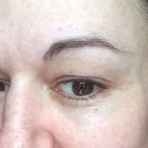 how to grow back overplucked 90s eyebrows- before regrowth started- v overplucked arched brow no makeup
