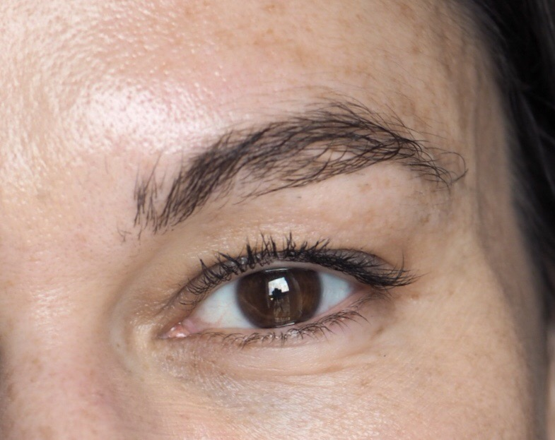 Niapattenlooks for Tattoo eyebrow tint