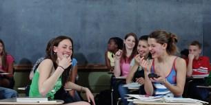 学校 友人 女性