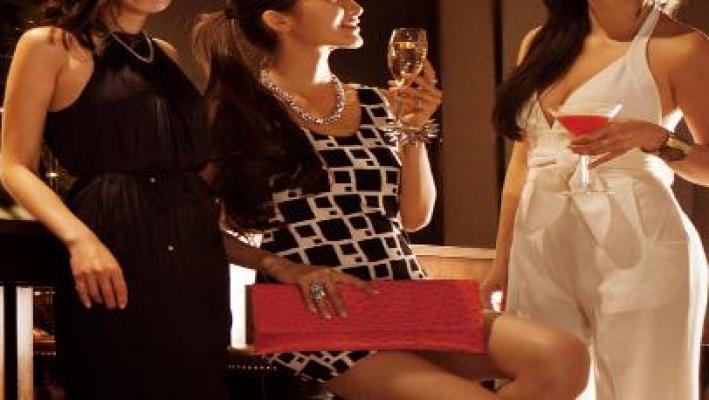 女性 パーティー ドレス
