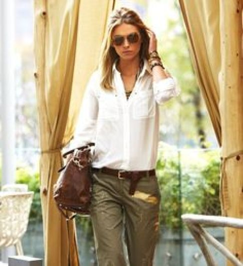 女性 スタイル 服装