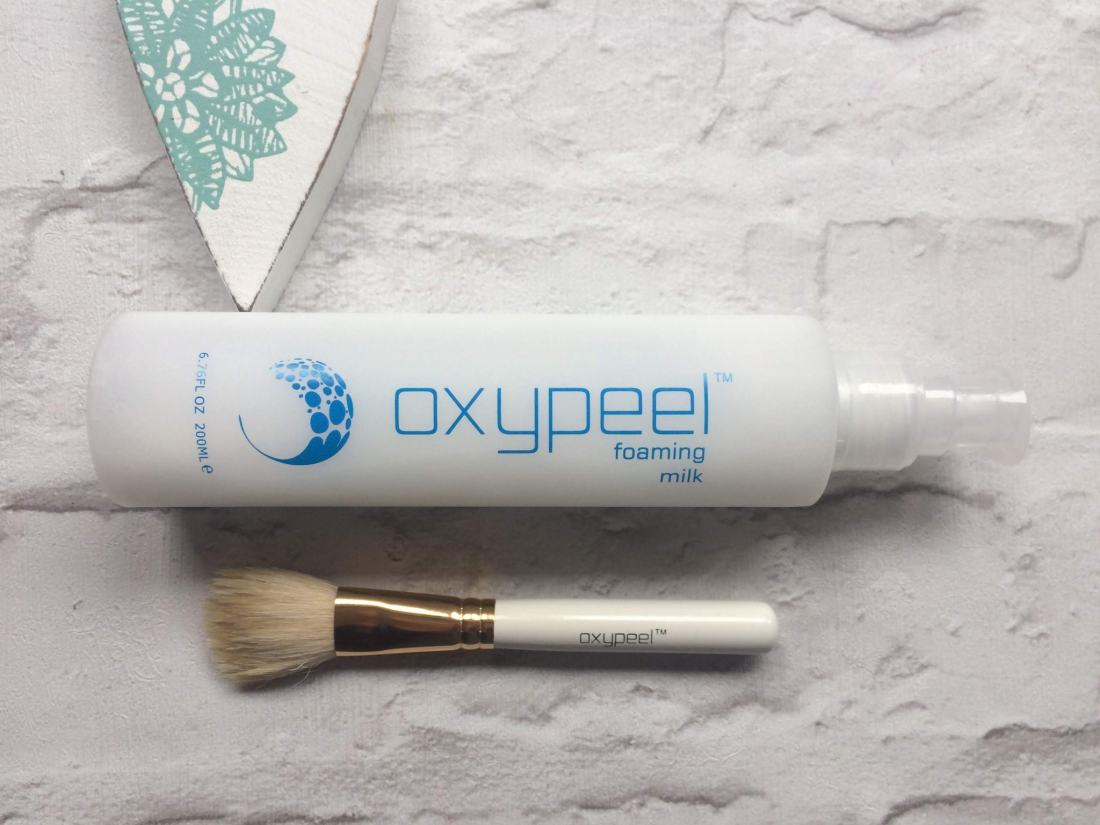 Oxypeel foaming milk and brush