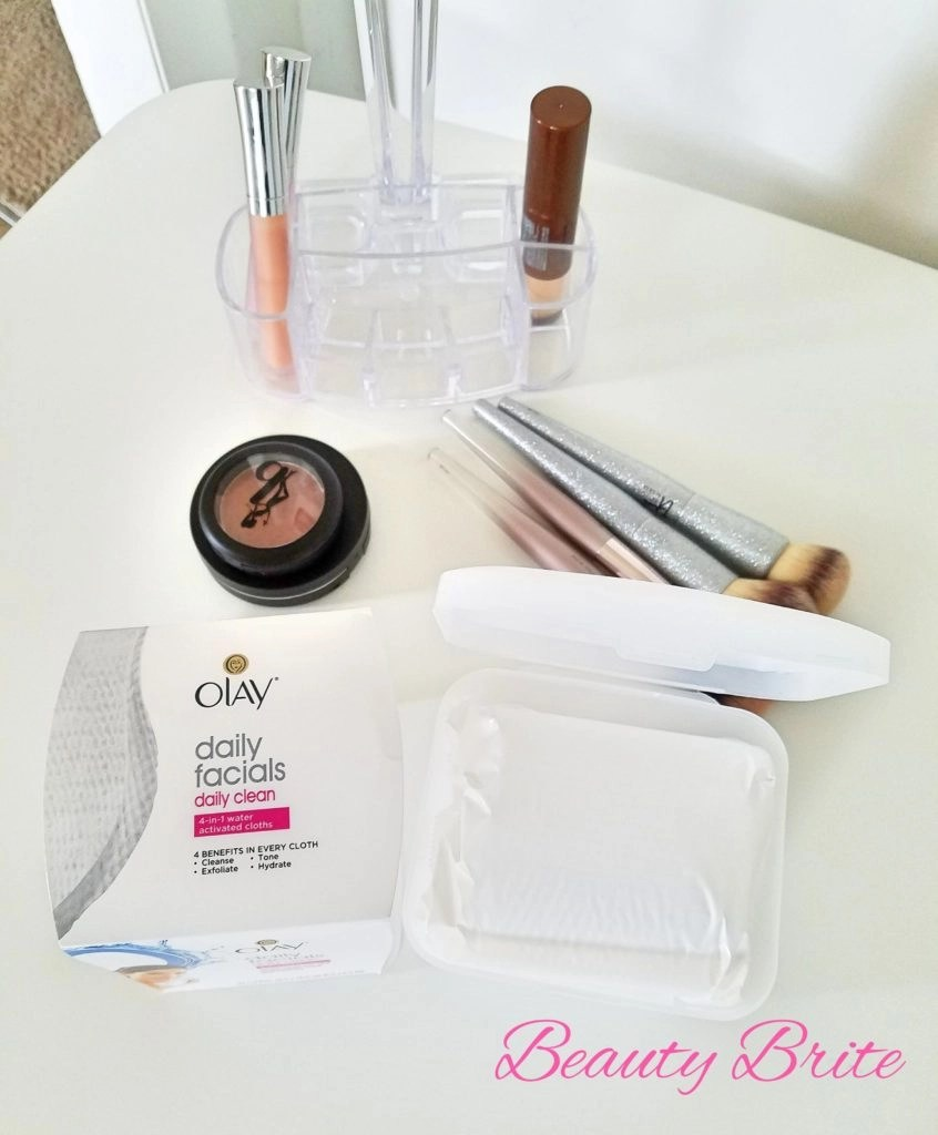 Olay Daily Facials in package