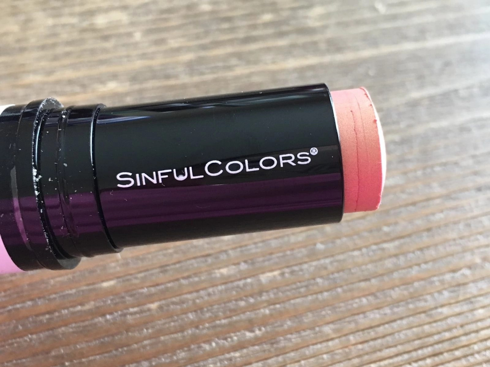 SinfulColors Rose Glow Highlighter opened