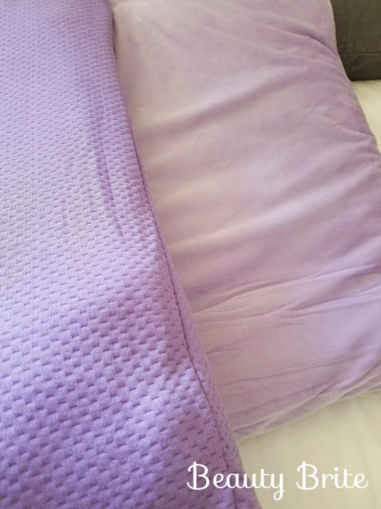 JOY Warm & Cool Universal Bed Pillows