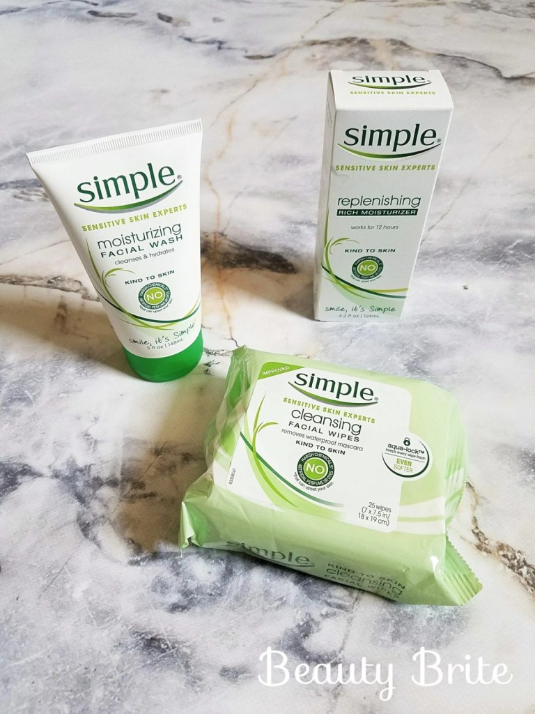 Simple Kind to Skin Facial Wipes