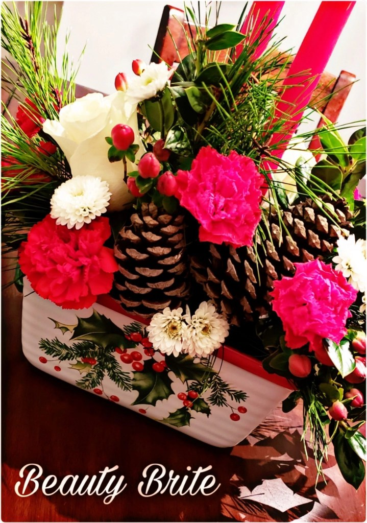 Teleflora Halls of Holly Holiday 2018 Collection