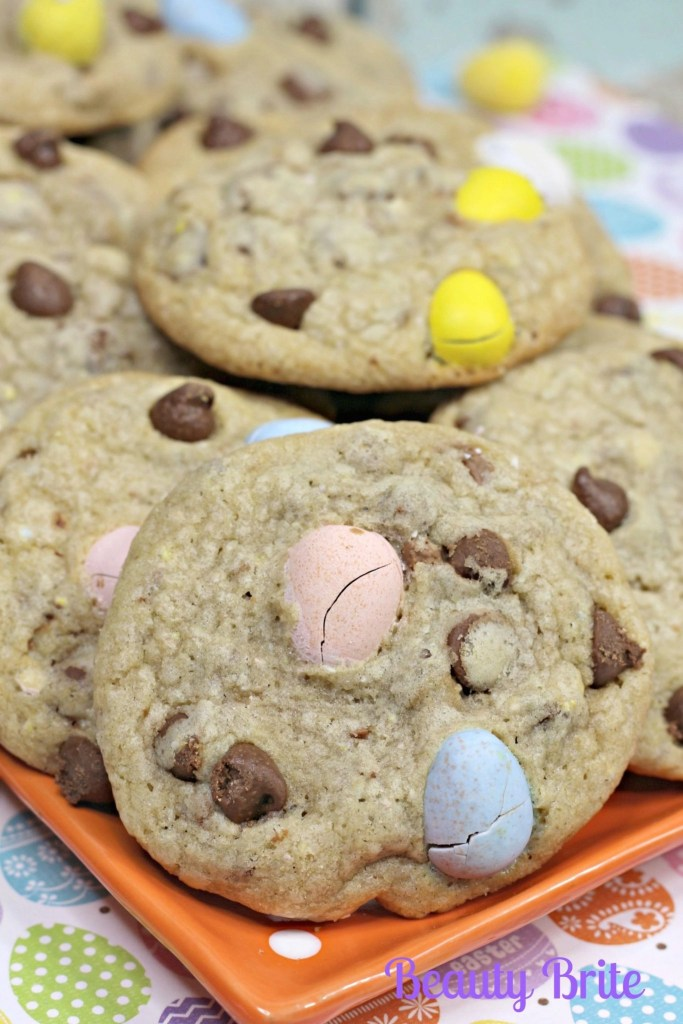 Malt Easter Egg Cookies ready to serve