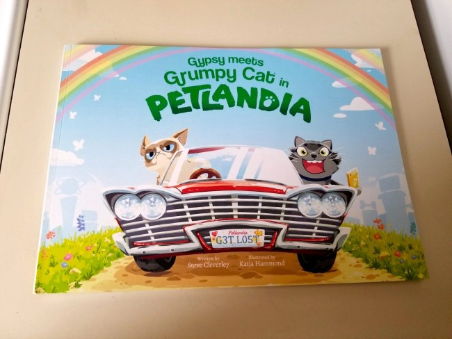Fun Stories Personalized For Your Pet - Petlandia Book