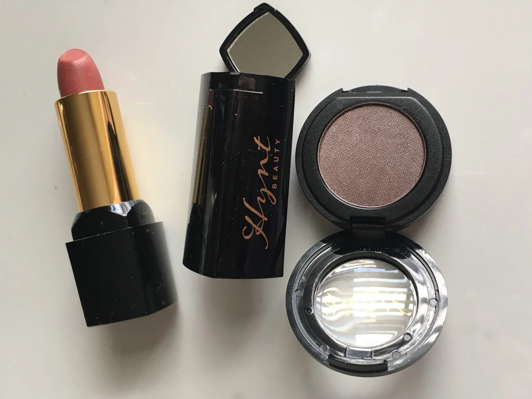 Hynt Beauty Lipstick and Eye Shadow