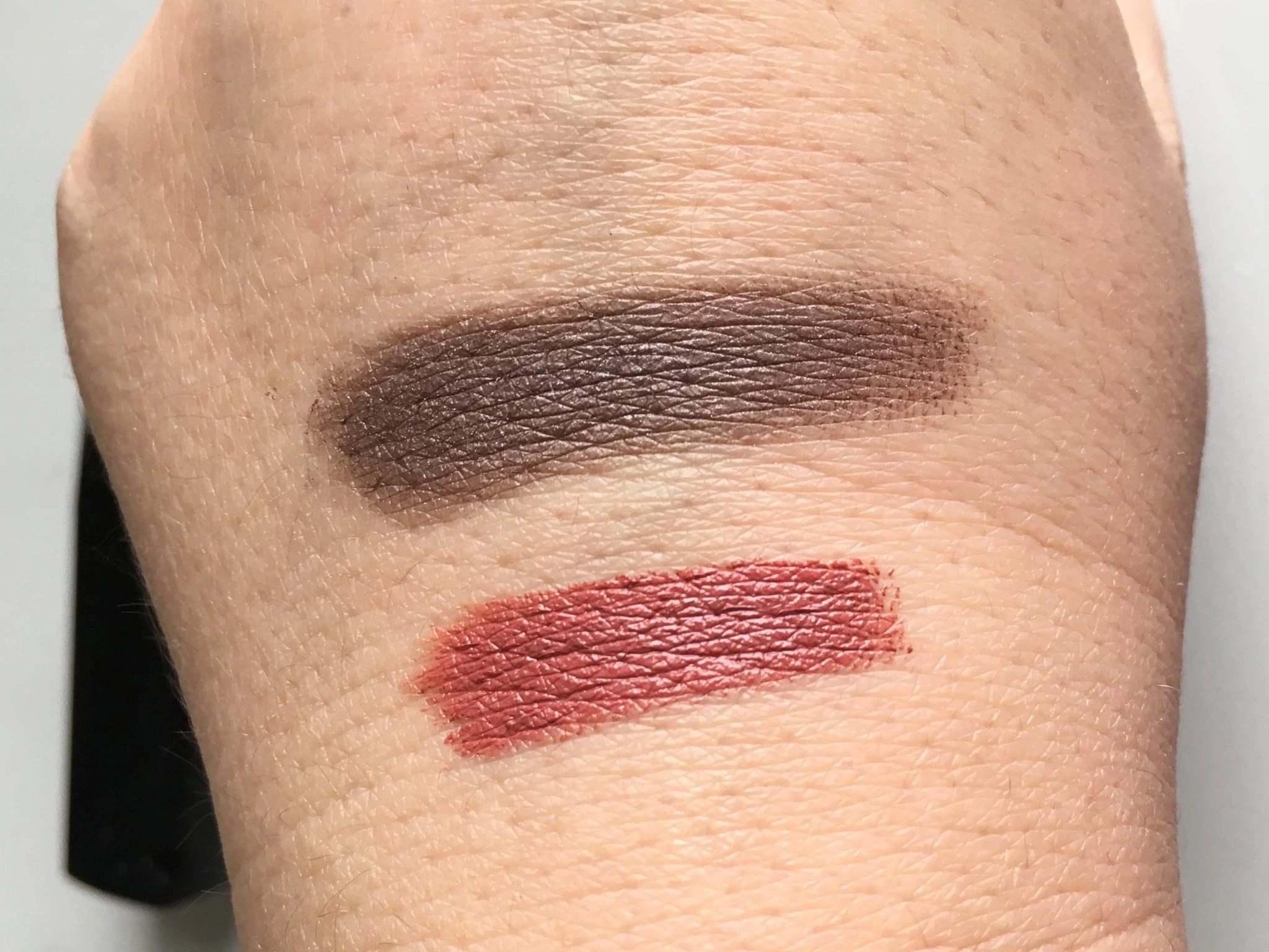 Lipstick in Tierra Blush and Pressed Eye Shadow in Crystal Taupe Swatched