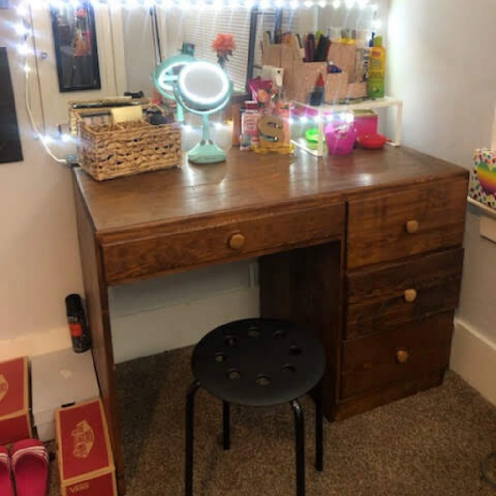 Mission Accomplished!  A Vanity Area