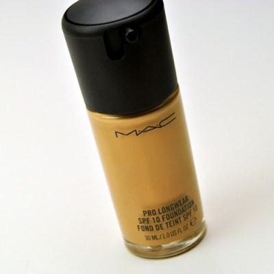 MAC Foundation | Beauty by Ami | http://beautybyami.com/
