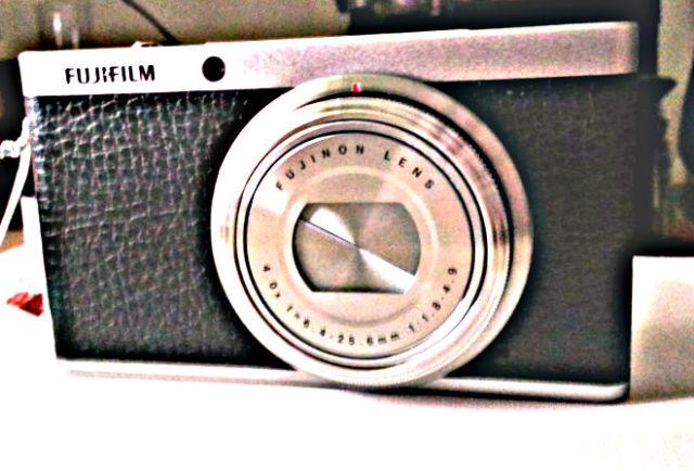 Fuji XF1 camera