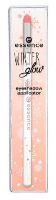 essence winter glow eyeshadow applicator