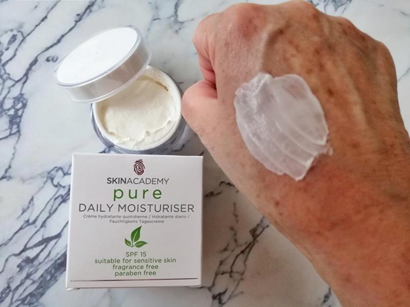 Review: SKINACADEMY PURE Pure-Zuivere gezichtsverzorging, 100% zonder kleur- en geurstoffen. 31 skinacademy pure Review: SKINACADEMY PURE Pure-Zuivere gezichtsverzorging, 100% zonder kleur- en geurstoffen.