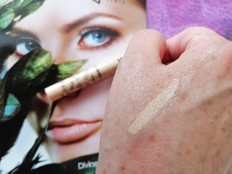 Review Karaja Make-up: 2 Foundations, Concealer, Lipstick & Lipgloss 33 karaja Review Karaja Make-up: 2 Foundations, Concealer, Lipstick & Lipgloss