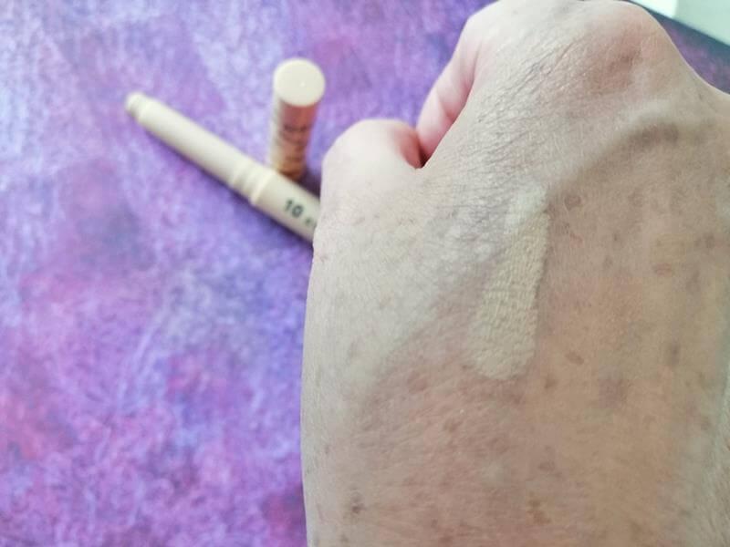 Review Karaja Make-up: 2 Foundations, Concealer, Lipstick & Lipgloss 31 karaja Review Karaja Make-up: 2 Foundations, Concealer, Lipstick & Lipgloss