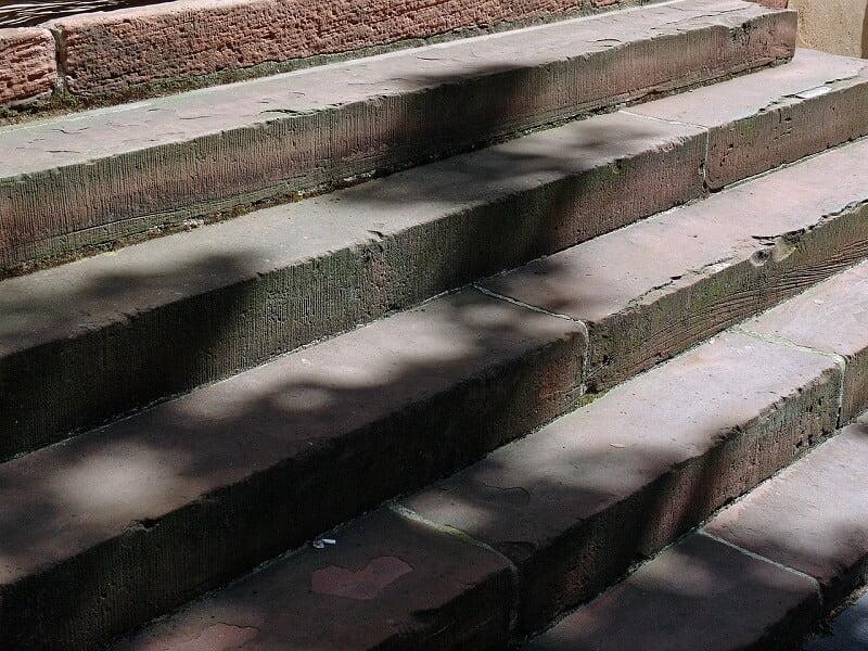 Veilig Thuis blijven Wonen- Start met het Renoveren van je Trap! 13 trap Veilig Thuis blijven Wonen- Start met het Renoveren van je Trap!