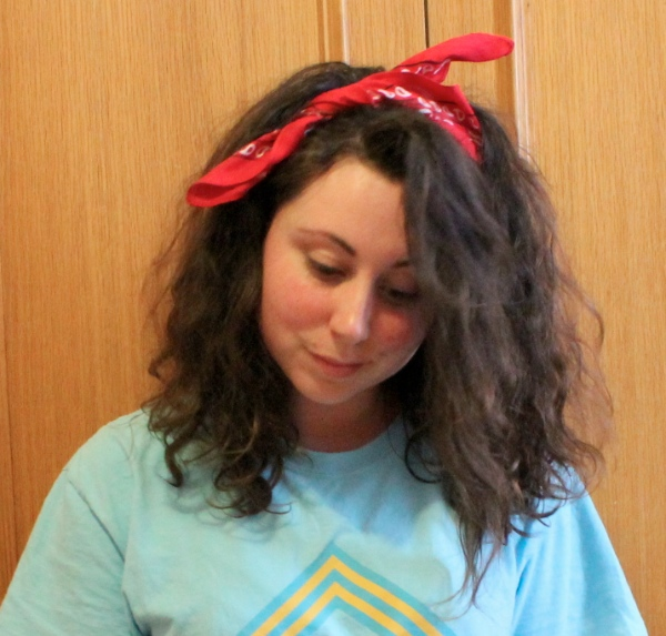 How to do 80s hair  make up and dress up for a party   Beauty Chattette 80s hair style curly bandana scarf bow