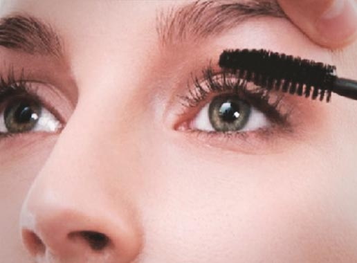 YOU START WITH THE TOP LASHES FIRST