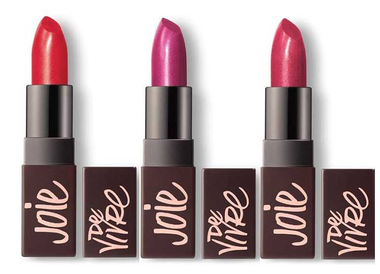 Помада с мерцающими пигментами - Velour Lovers Lip Colour is a highly pigmented