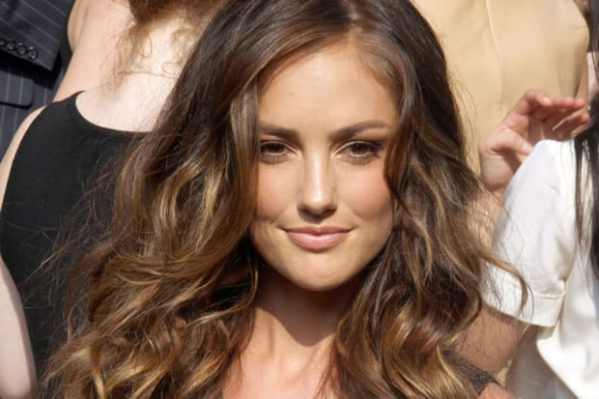 The Best Long Hairstyles for Natural Waves - Beautyeditor