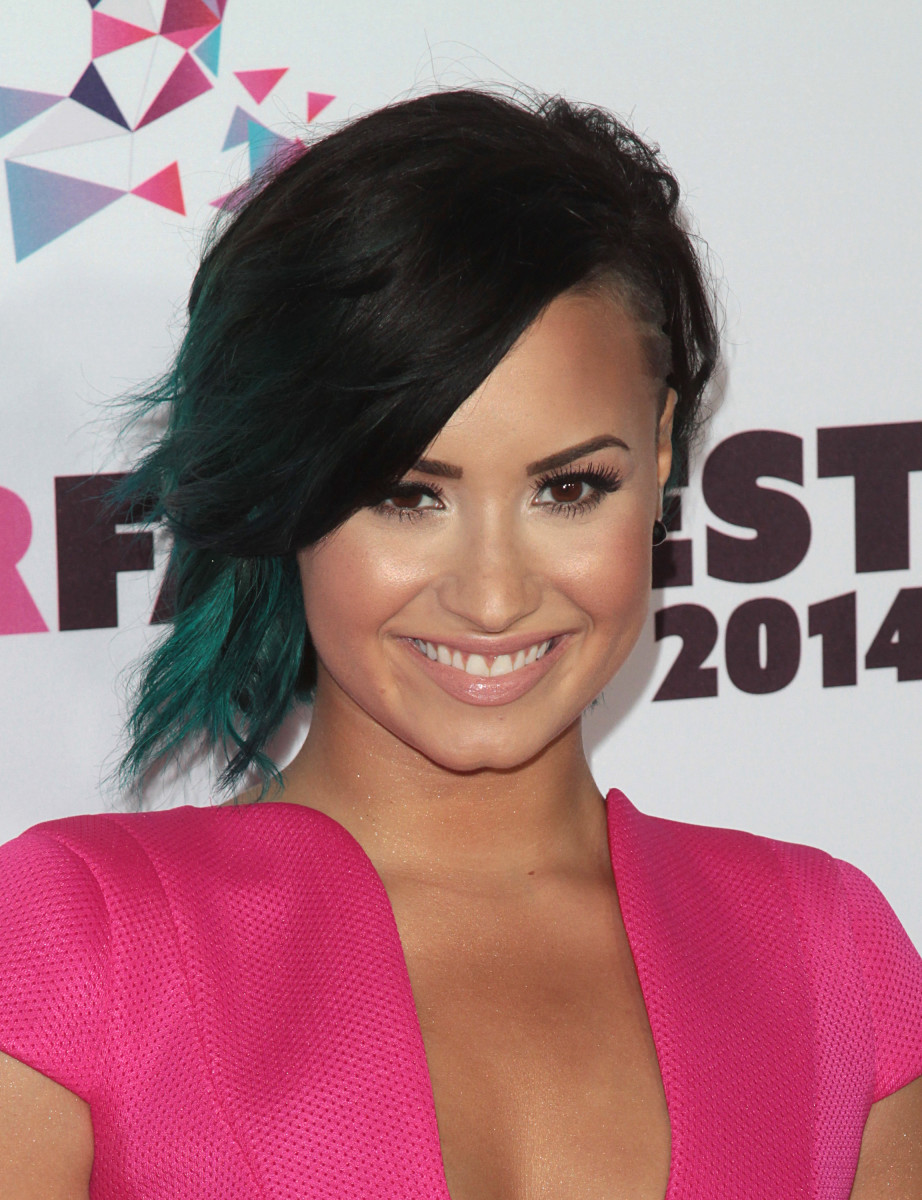 Demi Lovatos 10 Best Hair And Makeup Looks Beautyeditor