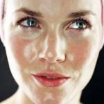 5 reasons your face needs a facial oil