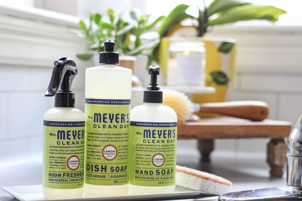 Mix and match Mrs. Meyer's summer scents with Grove Collaborative! Changing up your scents is a fresh way to energize your day.
