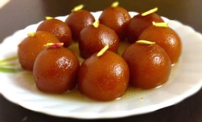 gulab jamun, indian sweets, gulab jamun recipe, how to make gulab jamun, gulab jamun recipe with milk powder, kala jamun recipe, gulab jamun with milk powder, bread gulab jamun, easy gulab jamun recipe, milk powder gulab jamun