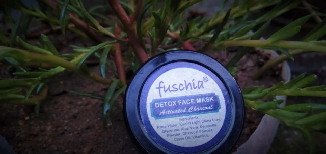 activated charcoal face mask fuschia packaging