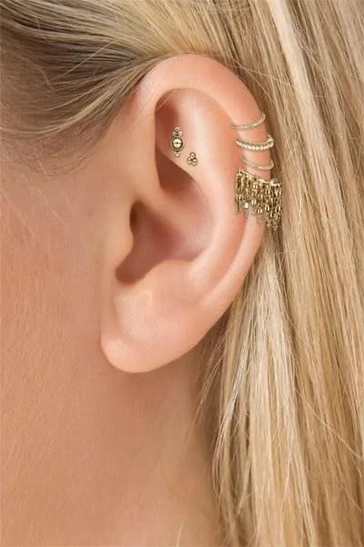 females helix ear piercing
