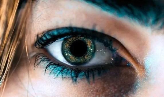 eye makeup for royal blue dress